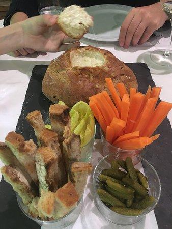 Рансол, Андорра: Fondue de queso en pan de pallés