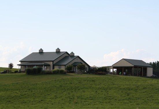 Mount Airy, Maryland: Hilltop, farm setting