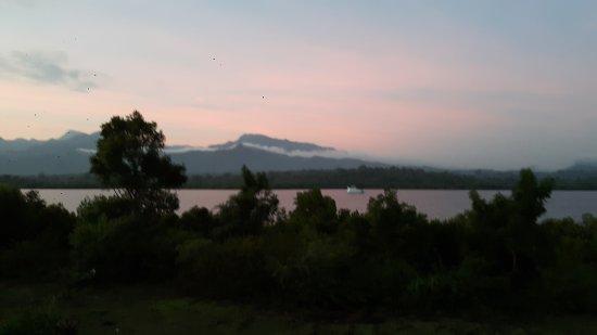 Banyuwedang, Indonesië: 20170702_062347_large.jpg