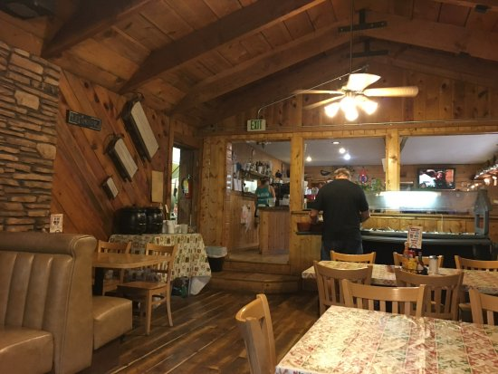 Duck Creek Village, UT: The warm and rustic decor