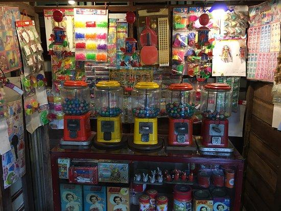 Phranakorn-Nornlen Hotel: Kitschy decorations