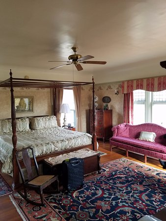Saravilla Bed and Breakfast: Super charming!