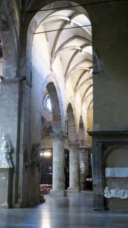 Église Saint François d'Assise : Nave lateral