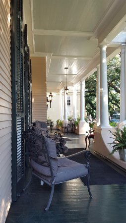 Park View Historic Hotel and Guest House: Hotel's front porch