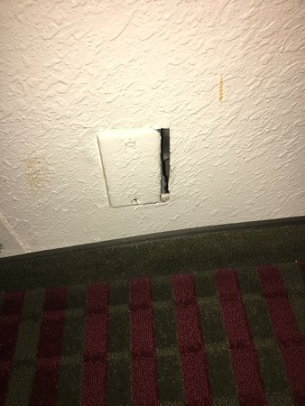 Red Roof Inn Kingsport: A Few Examples From My Review. These Problems Are An