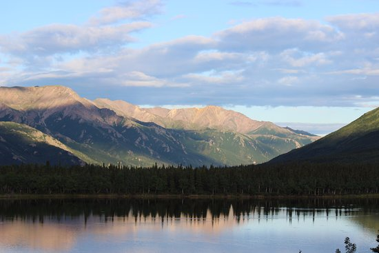 Denali Lakeview Inn: A room with a view!