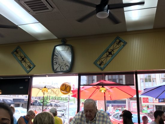 Rock Island, IL: Inside of the restaurant.