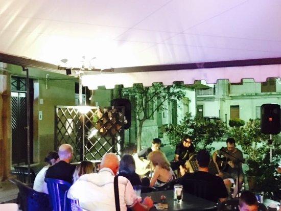 Finale, อิตาลี: Hi Tech Pub