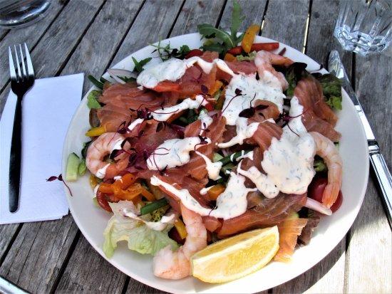 Fletching, UK: Smoked salmon & prawn salad with dill dressing