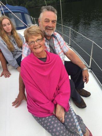 Bowness-on-Windermere, UK: Enjoying the evening on Lake Windermere