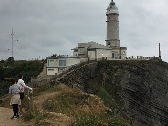 Centro de Arte Faro Cabo Mayor: photo1.jpg