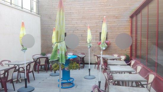 L'Aigle, Frankrike: cortile