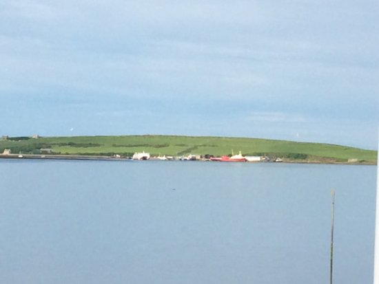 Burray Village, UK: View to st Mary's hope and the Pentland ferry