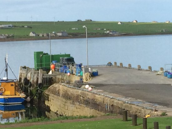 Burray Village, UK: The jetty outside the hotel