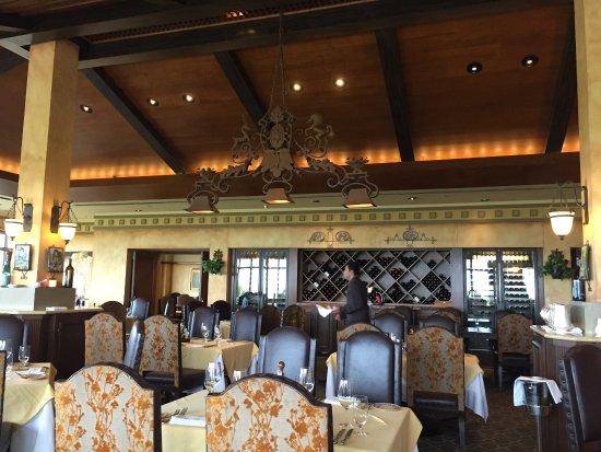 Peppoli at Pebble Beach : inside - the gorgeous view is the other way, so ask to be seated by the windows:)