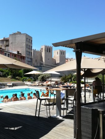 Radisson Blu Hotel, Marseille Vieux Port: Small But Really Nice And Warm Swimming  Pool