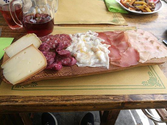 Le Bourg Trattoria: Tavolozza formaggi e affettati