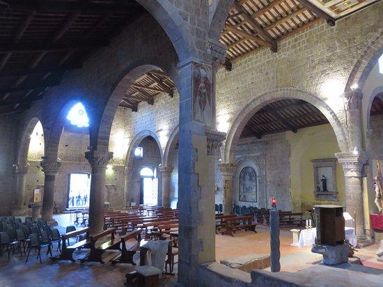 Tuscania, Italië: Affresco di S.Agata (ultimo pilastro)