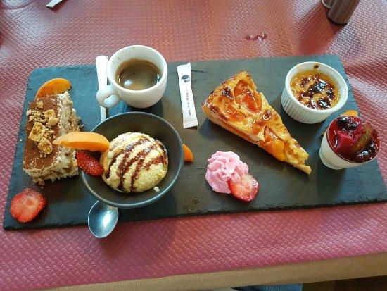 Ils déconnent pas sur le café gourmand! - Picture of Il Girasole ...