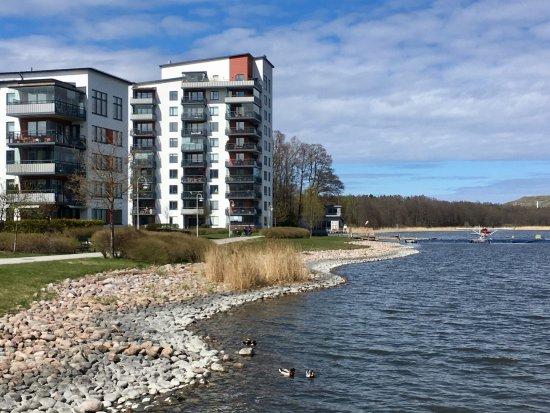 Taby, Szwecja: Umami Sushi & Cafe, Hägernäs strand