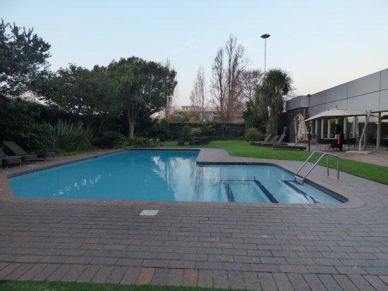 Kempton Park, Sudáfrica: Southern Sun O.R Tambo - swimming pool