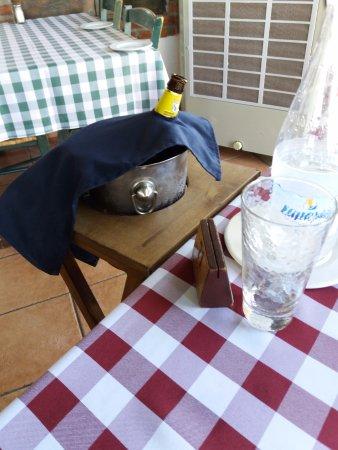 Trattoria La Vigna : beer in an ice bucket