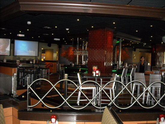 Elgin, IL: the bar as seen from dining area/front door