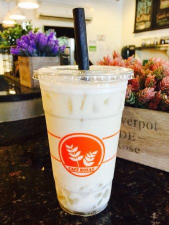 Temple City, Kaliforniya: Iced Milk Green Tea w/ Aloe Vera