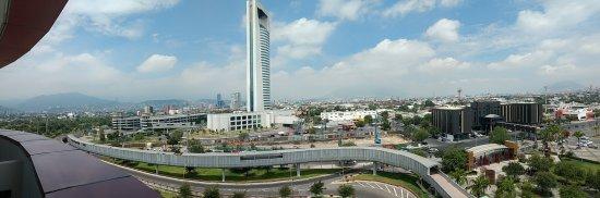 Holiday Inn Parque Fundidora: Muy buena vista desde mi habitaciones