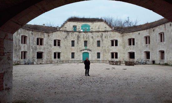 Monostori Fort