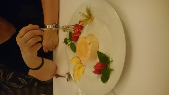 Lecker Essen im Restaurant Nuragus