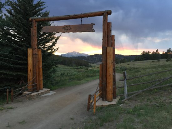 Potret Elk Mountain Ranch