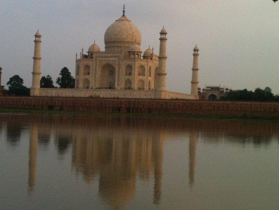 Taj Mahal Cabs