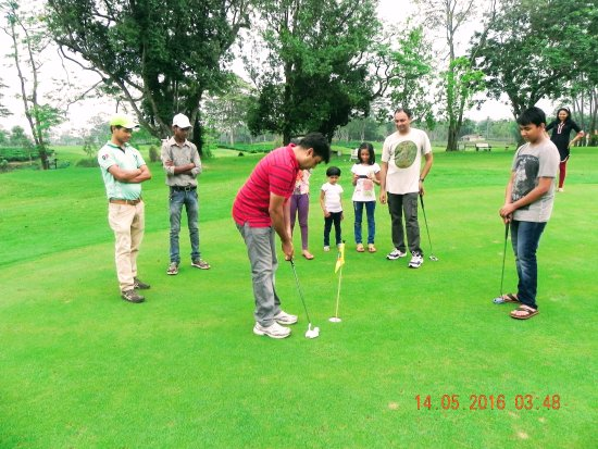 Kaziranga Golf Resort: Oh so close