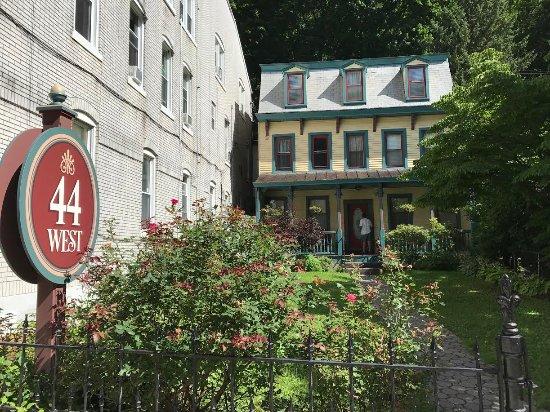 Inn at Jim Thorpe: 44 Broadway summer 2017
