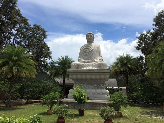 Mims, FL: Seated Buddha