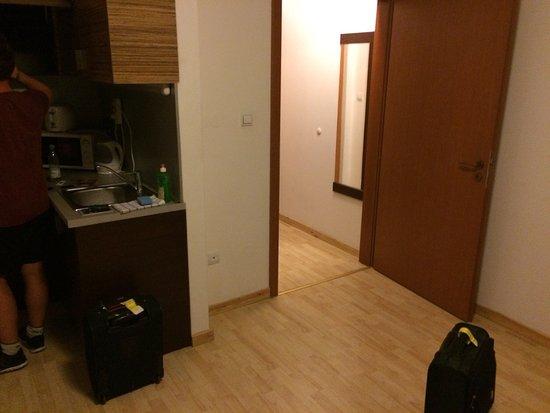 Prater Residence: photo0.jpg