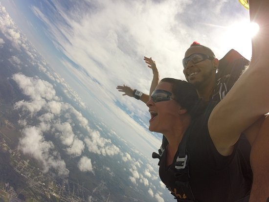 Killingly, CT: Skydive Danielson