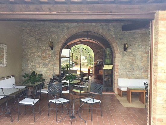 Villa Baciolo: Area di colazione e tempo libero