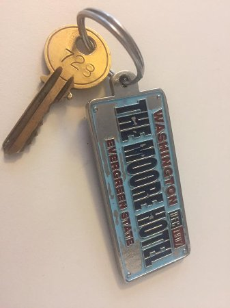 Moore Hotel : Rm 728 .... yes, it is a real key!!!