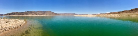 Temple Bar Marina, อาริโซน่า: Beach and water in Lake Mead nr Temple Bar