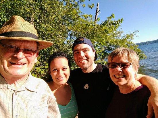 Kenmore, WA: We reached the beautiful Lake Washington shoreline!