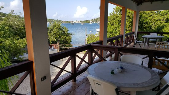 Hostal Casa Culebra: View from the second level balcony.