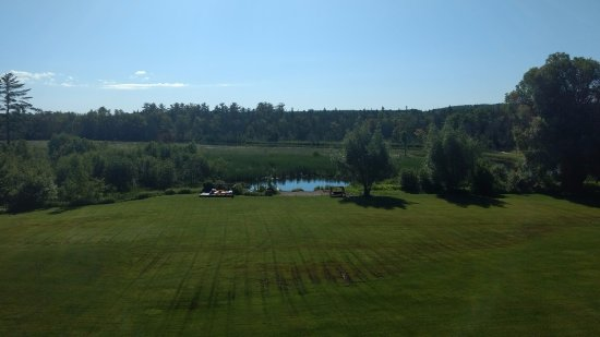 Crooked River Lodge : Looked out toward the Crooked River from our room balcony.