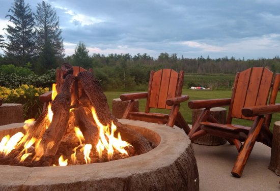 Crooked River Lodge : bonfire