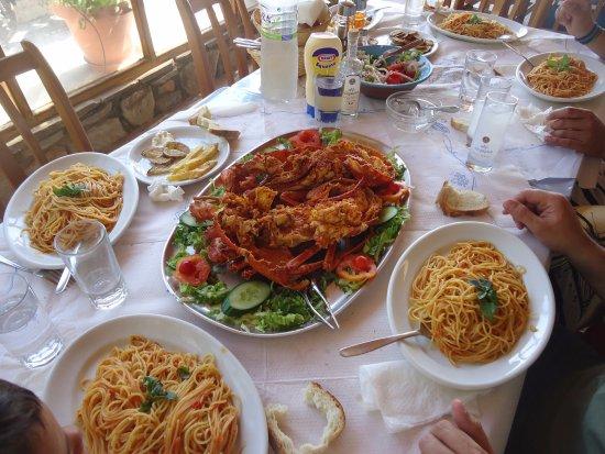 Agios Prokopios, Griekenland: Αστακομακαρονάδα -  Lobster Spaghetti