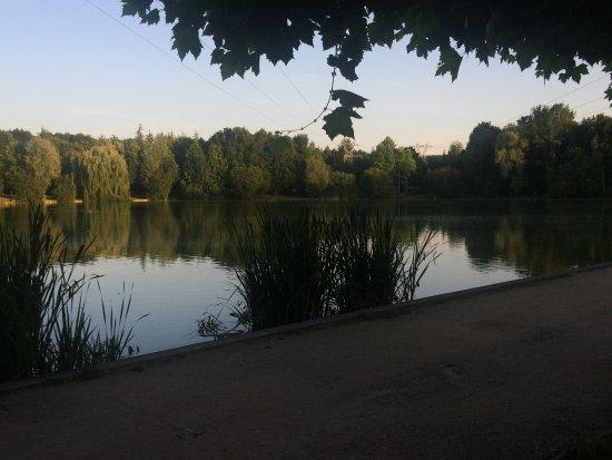 Blois, France : Une des vues du Lac