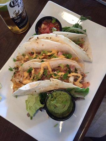 Simcoe Arms: Fish tacos.