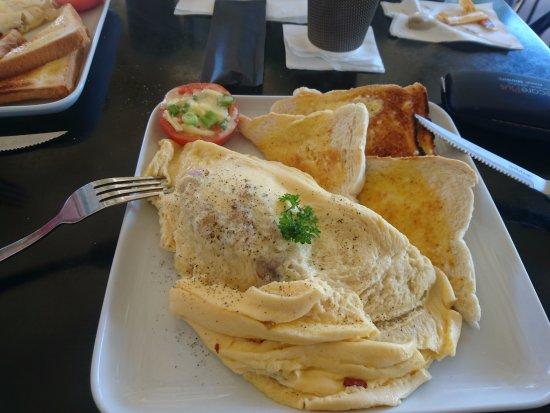 Woorim, Australia: Mojo's omelette