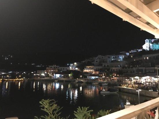 Batsi, Grecia: Tα Δελφίνια